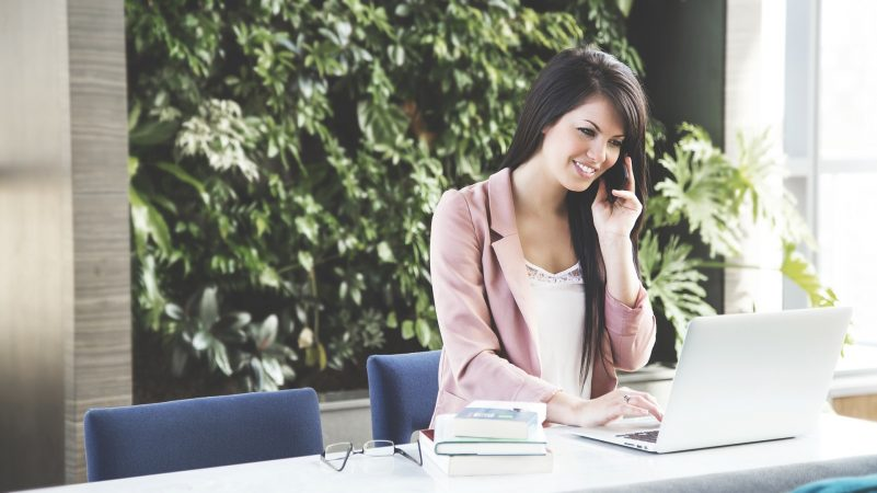 Zomerse outfits voor op kantoor: jouw musthaves